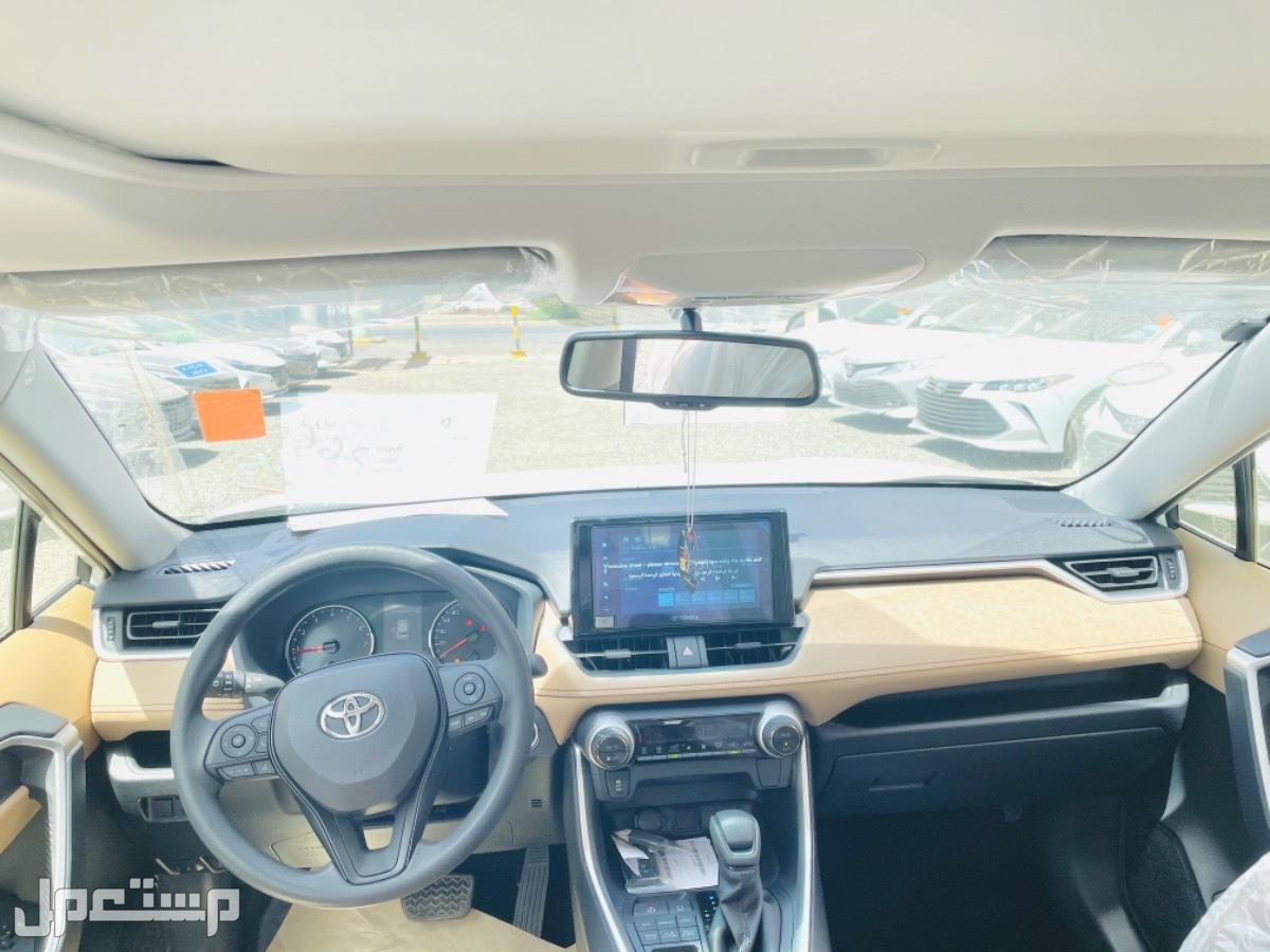 تويوتا - راف فور  XLE - بنزين - 2021 - سعودي
