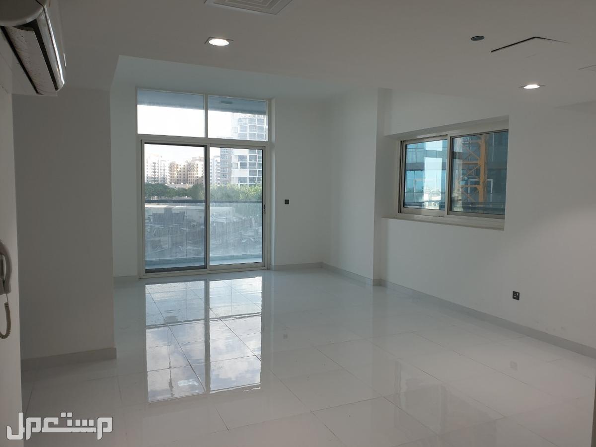 شقق للبيع في دبي واحة السيلكون بالتقسيط على 3 سنوات