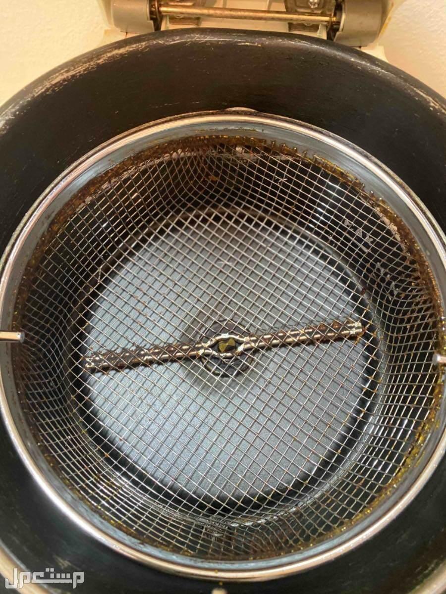 مقلاة بالزيت ديلونجي