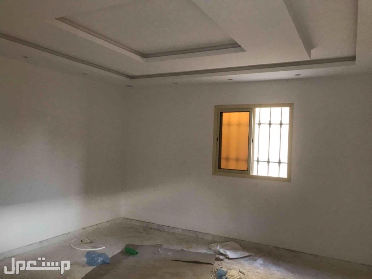 للبيع ادوار مفصوله ارضي وعلوي م 375 بحي الدار البيضاء
