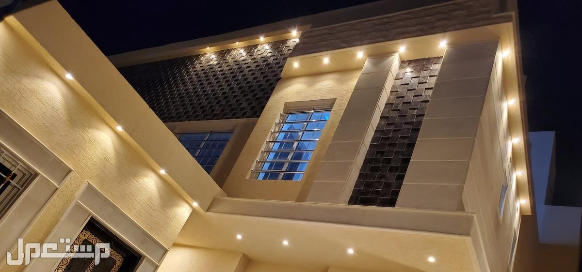 للبيع بحي الموسى غرب الرياض فلل درج صالة فاخرة ضمانات كاملة