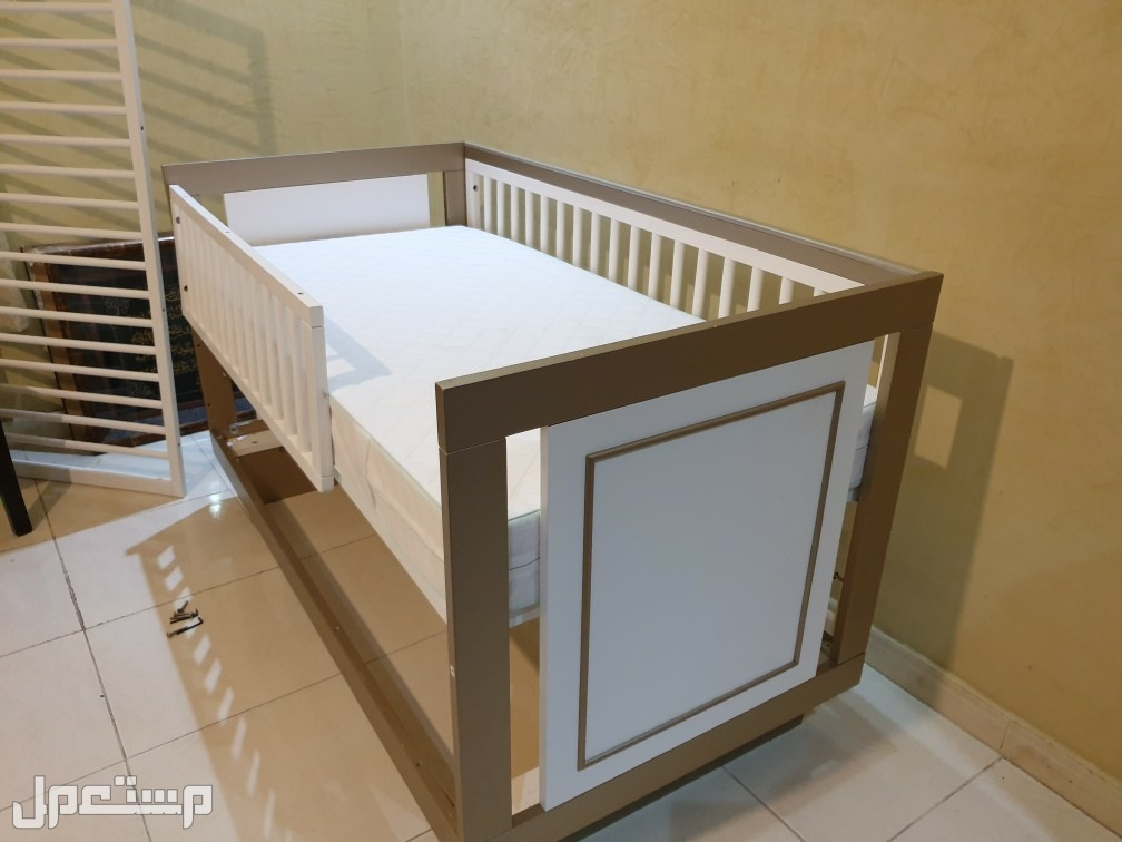 سرير اطفال من هوم سنتر