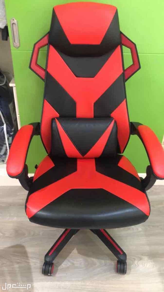 كرسي قيمنق للبيع بسعر رخيص ماله ثلاث شهور