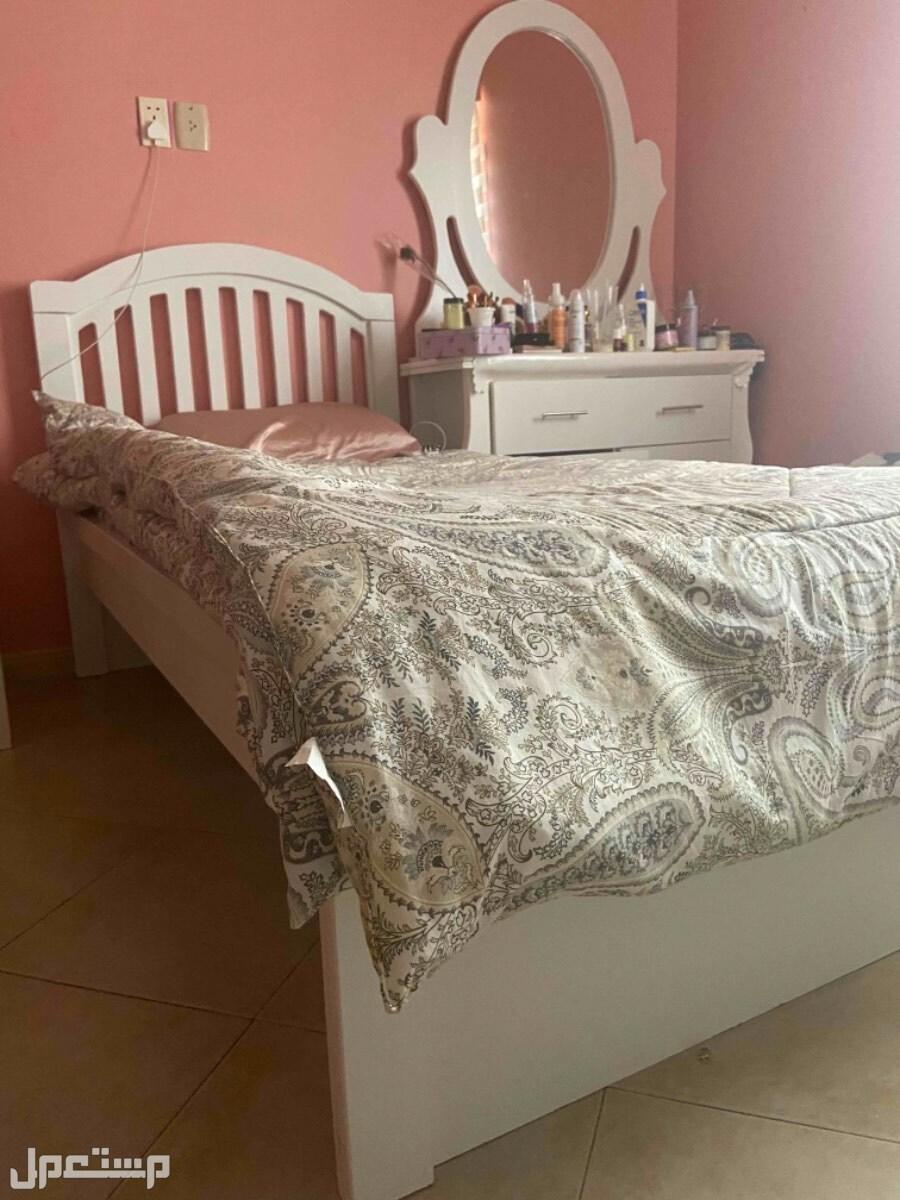 سرير نفر جديد