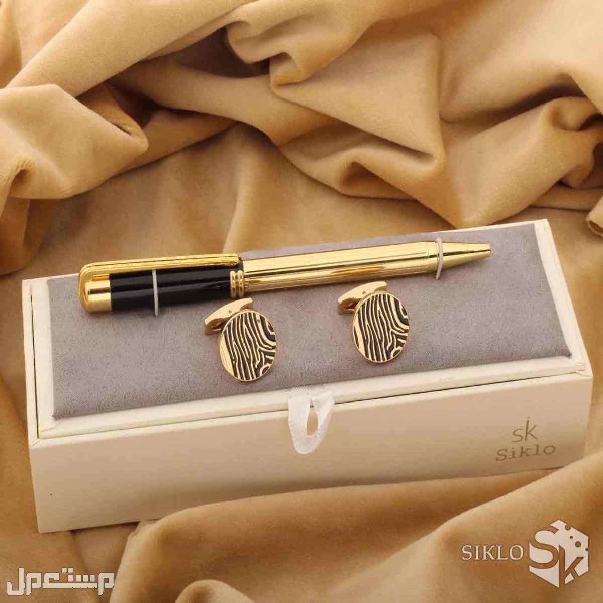 طقم رجالي ساعه قلم كبك تصميم ماركات مختلفه