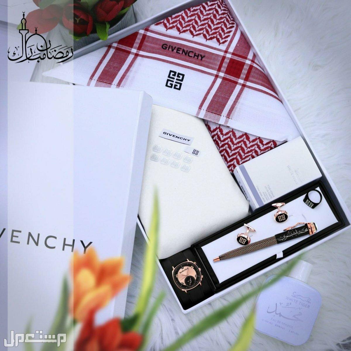 بكس هدايا رجالي للعيد # ثوب مع شماغ جيفنشي عالي الجوده