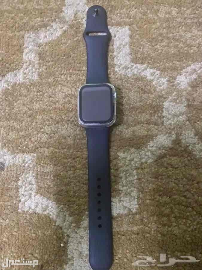 للبيع ساعة أبل watchالإصدار الخامس مقاس 40 ملم