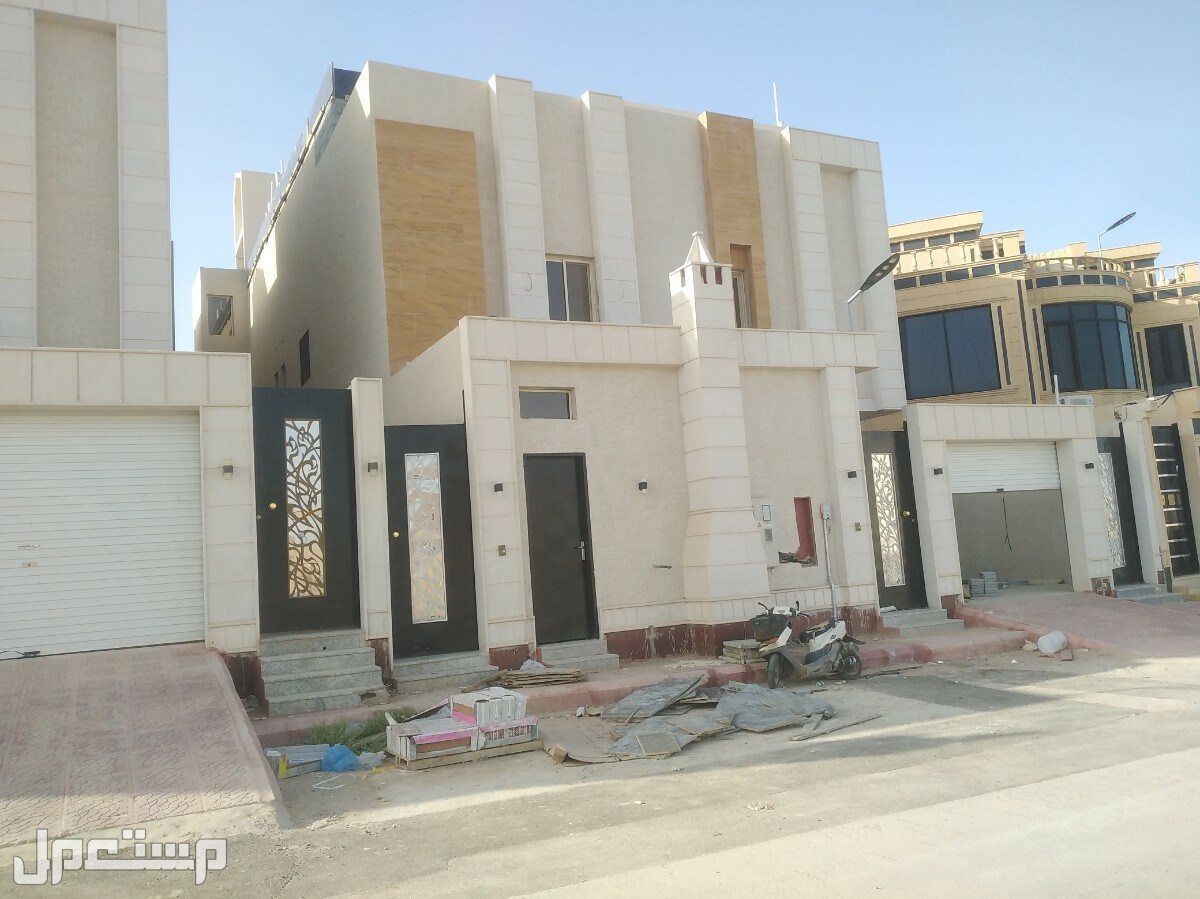 فلل للبيع في الرياض حي ظهرة لبن
