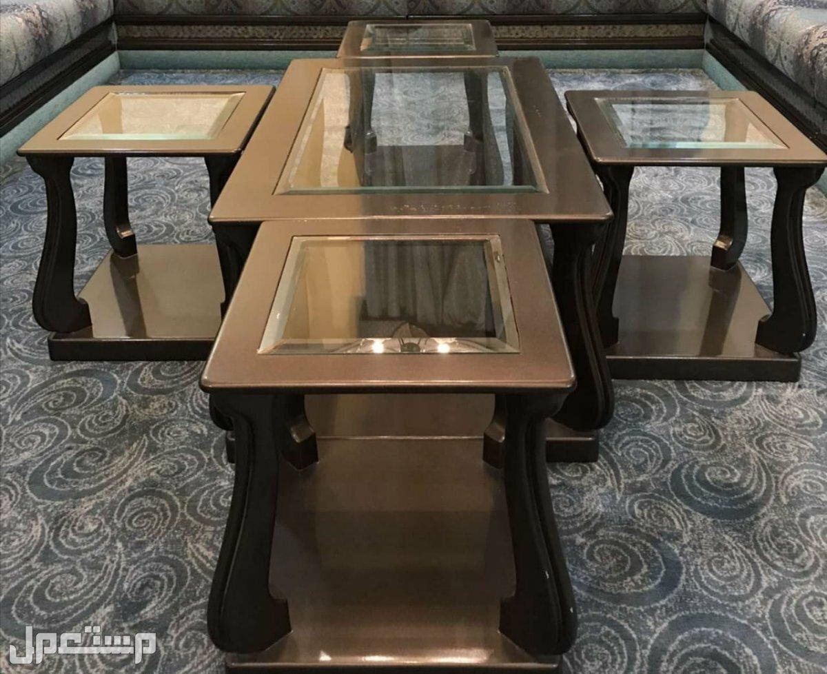 طاولات نظيفه