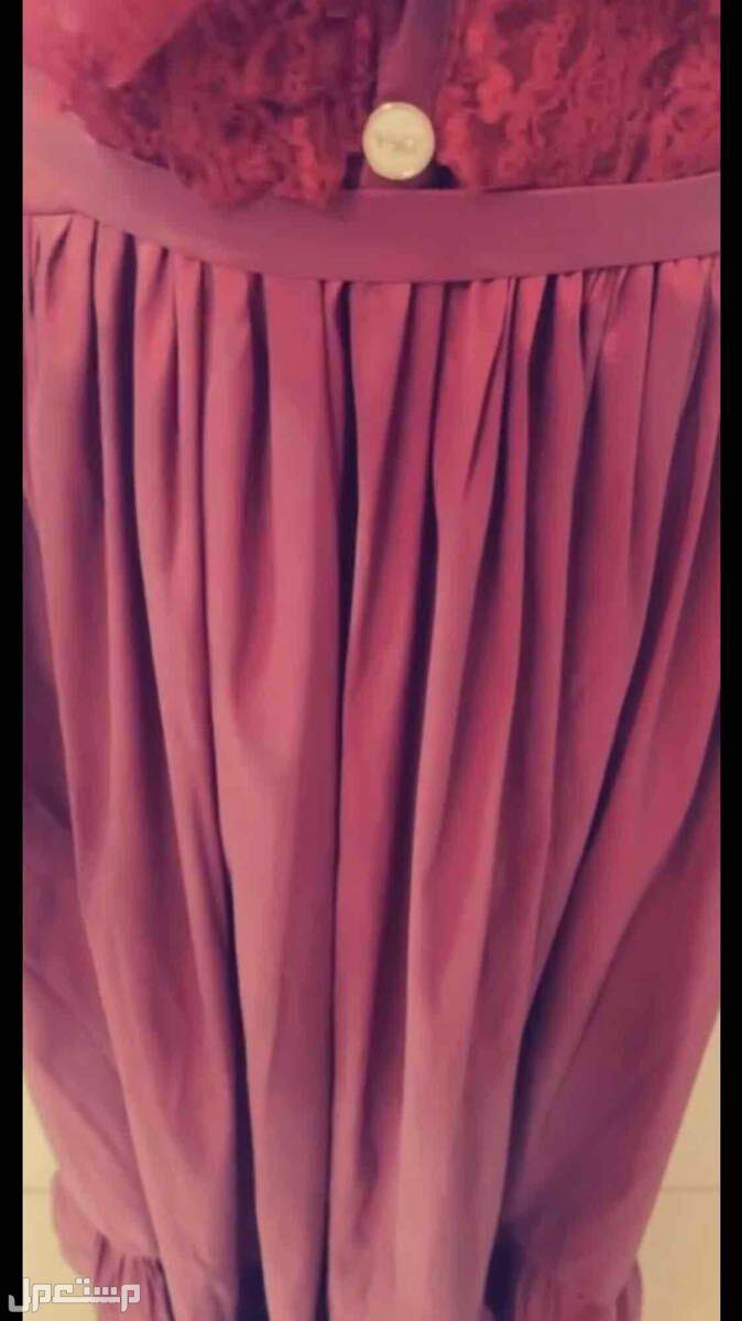 فستان عنابي