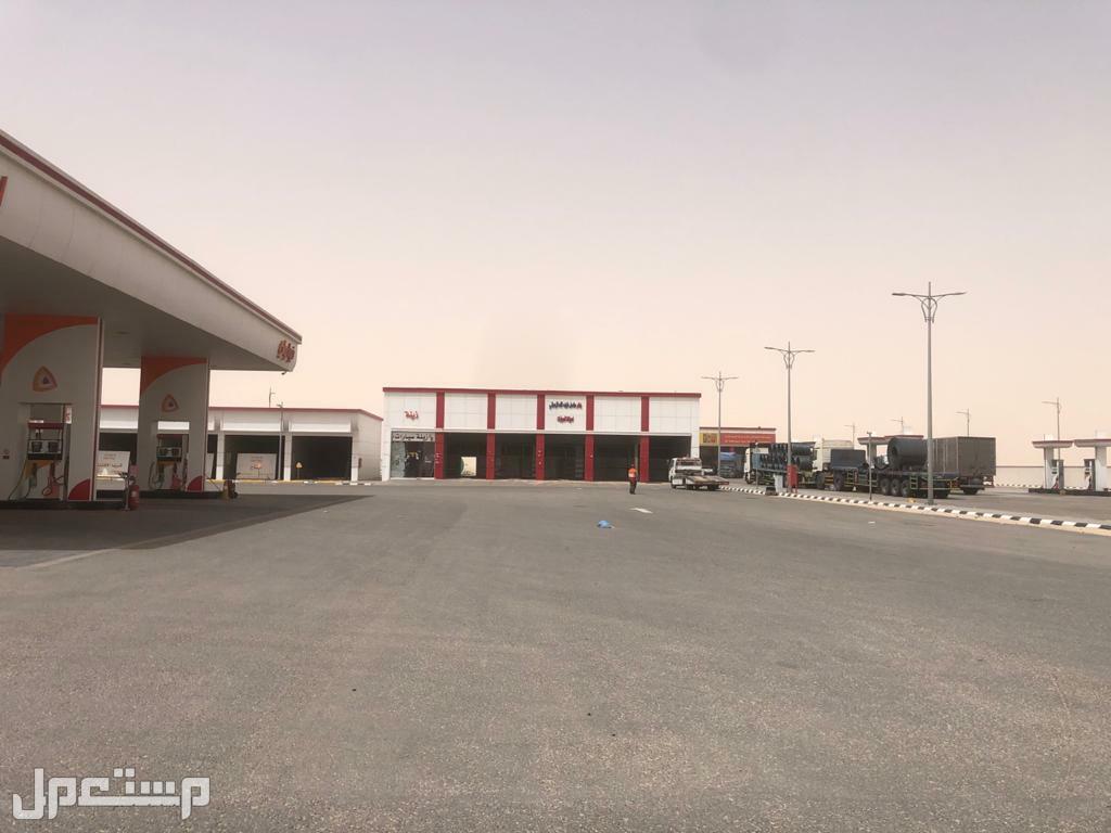 معارض للإيجار في محطة بنزين