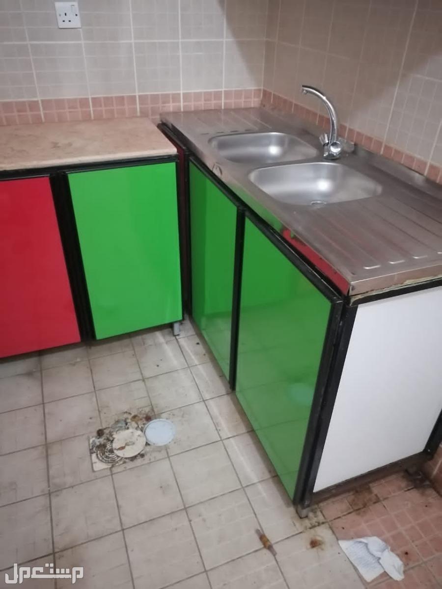 دولاب مطبخ معى مغسله