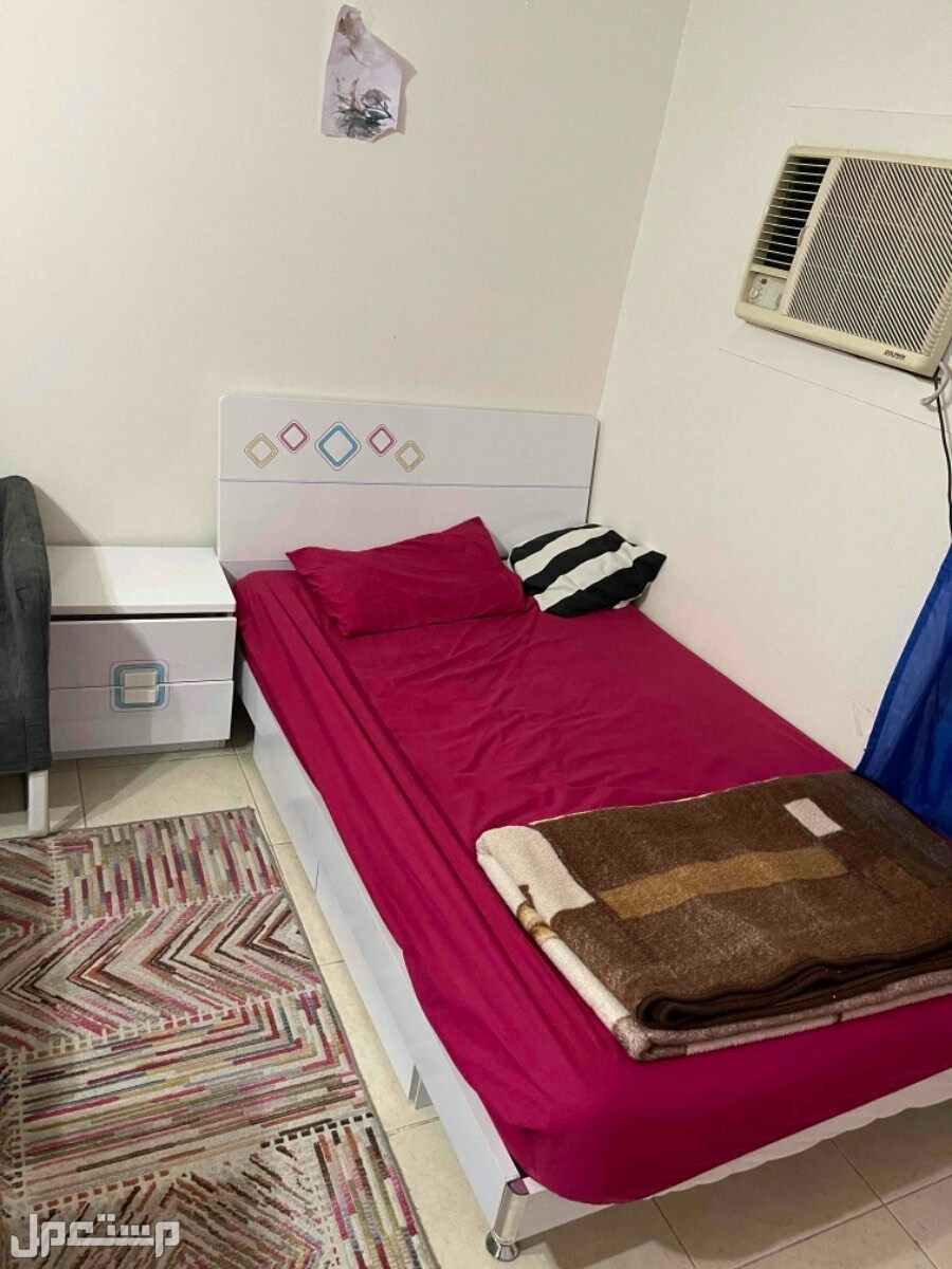 غرفة نوم اطفال استخدام 3 سنوات مع المراتب و السجاد