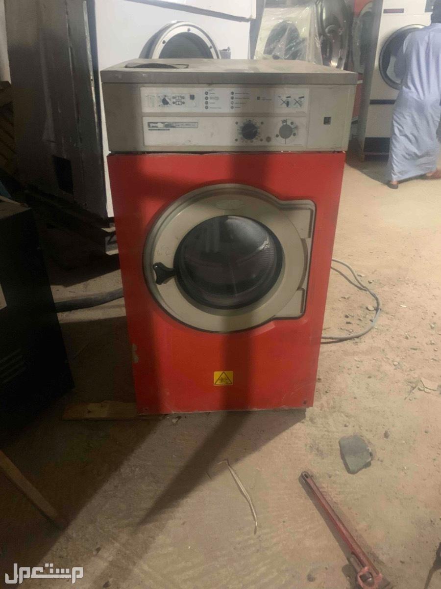 معدات مغاسل ملابس بخارية