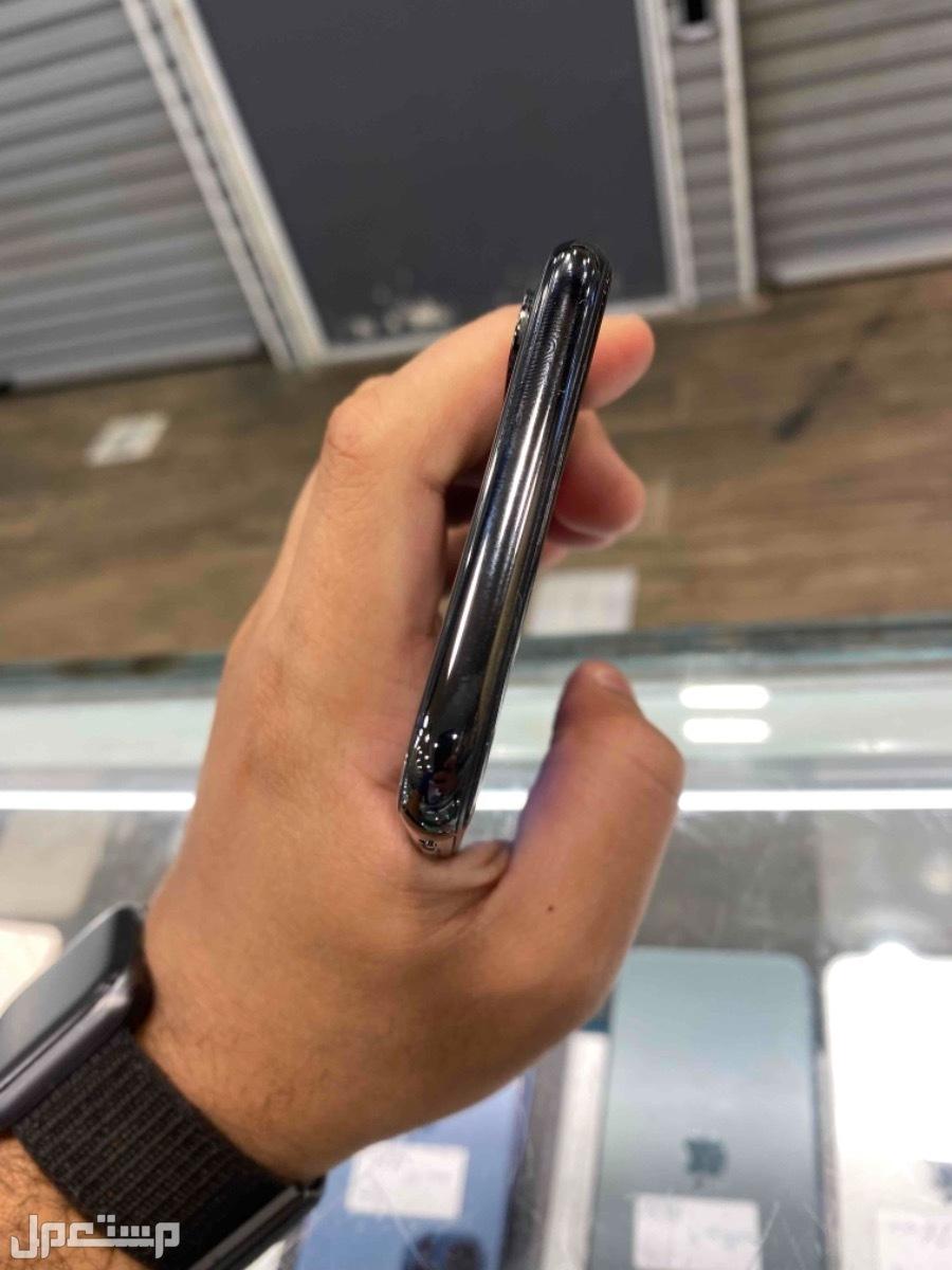 للبيع ايفون اكس 256 اسود مستخدم