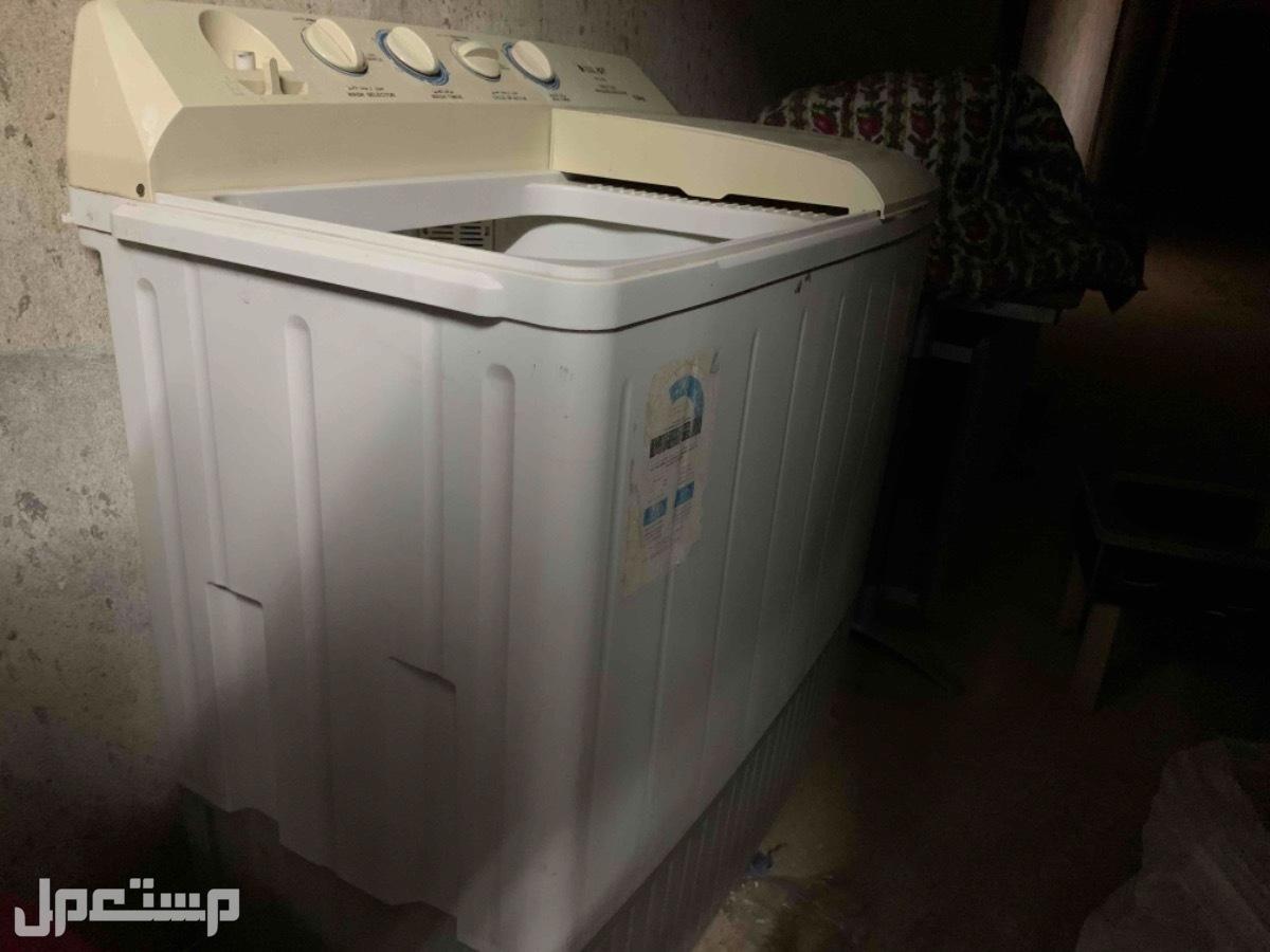 غساله Tamco 12 كيلو  نظيفه وشغاله بس النشافه يبغى لها مصلح للبيع ب 300