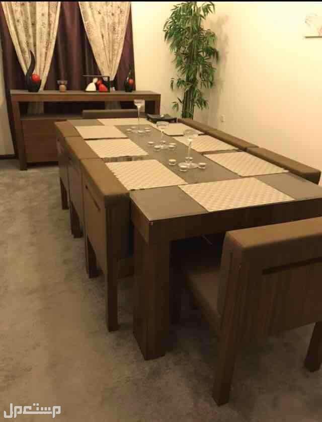 طاولة  طعام استعمال خفيف