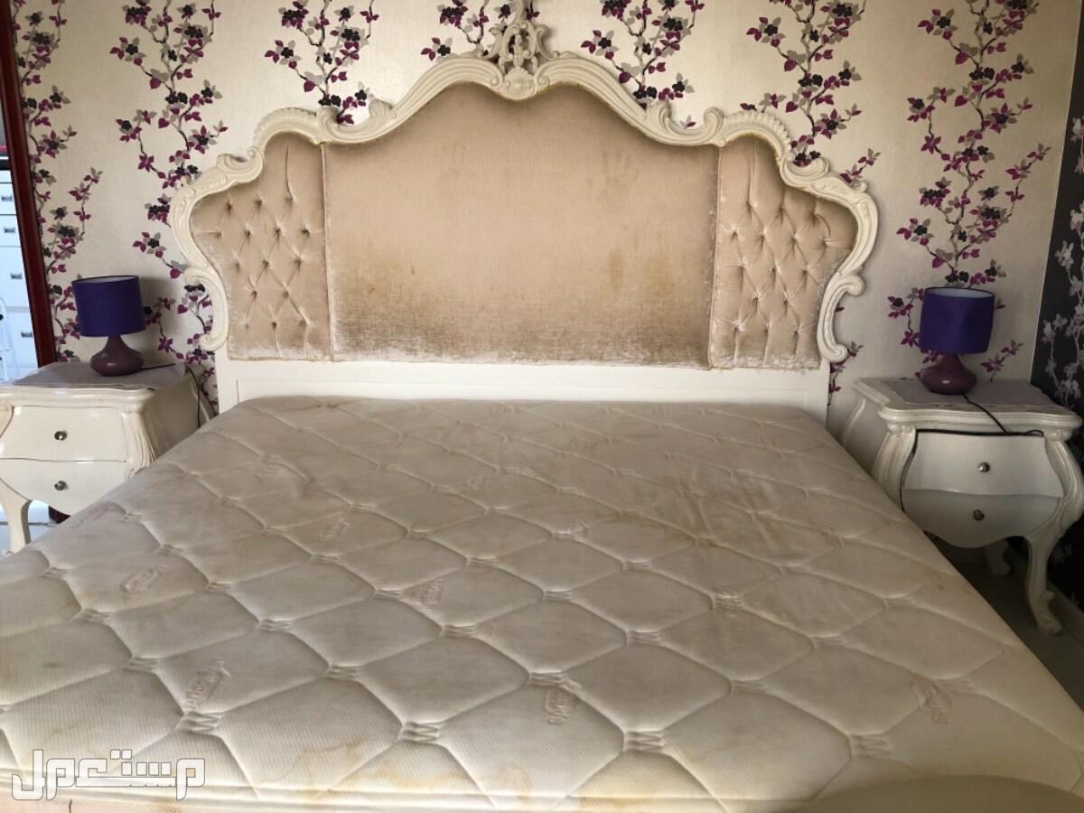 غرفة نوم و معيشه و نجف
