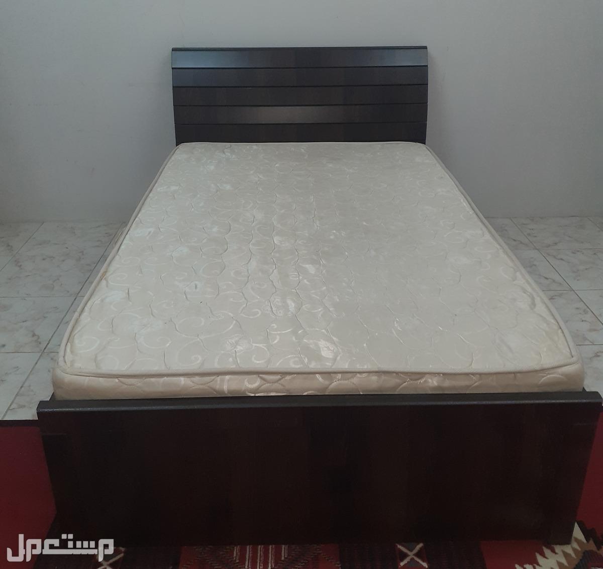سرير خشب ماليزي للبيع