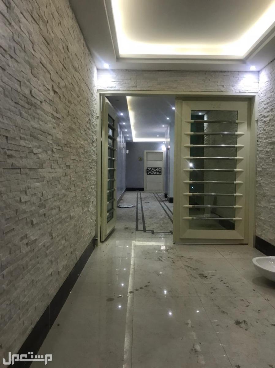 للبيع شقة دورين فاخرة مع حوش  المساحة220 م  حي ظهرة لبن السعر740الف