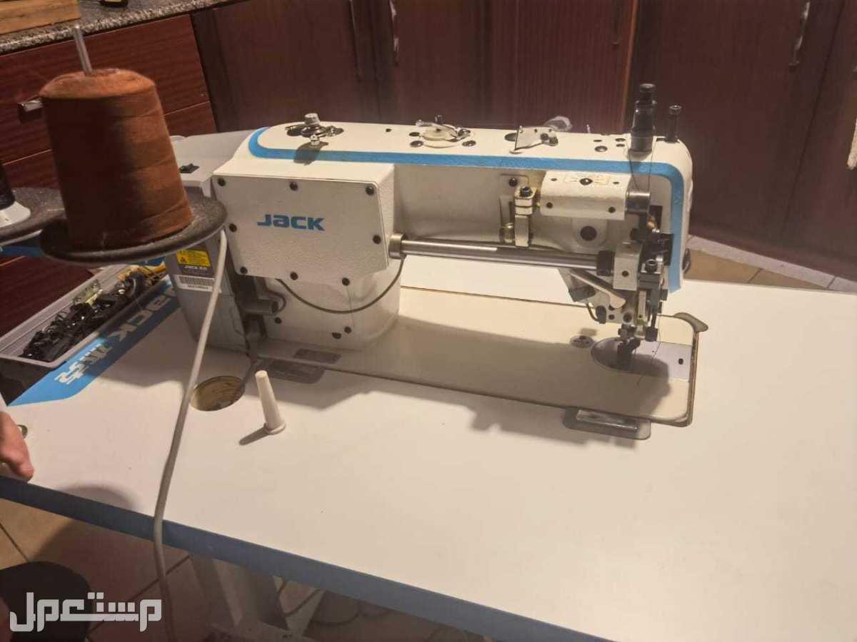 ماكينة خياطة خاصة للجلود والقماش الثقيل