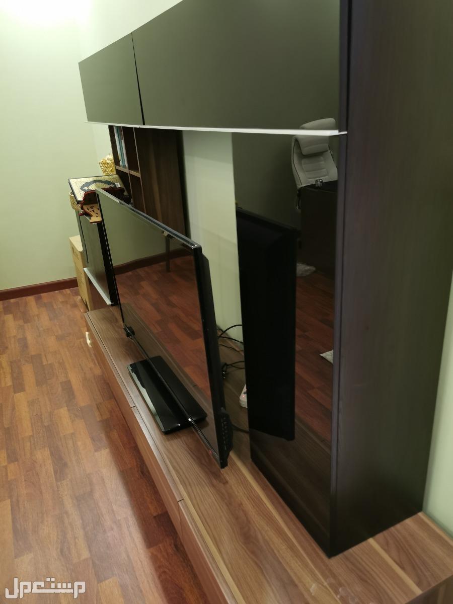 دولاب تلفزيون ومكتبة وتخزين 3في 1 مستعمل للبيع من سيتي دبليو
