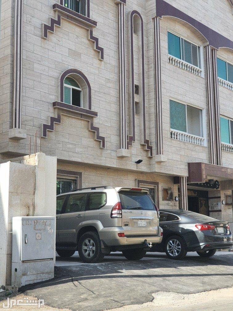 عمارة استثمارية للبيع 12 شقة +فله رووف دورين