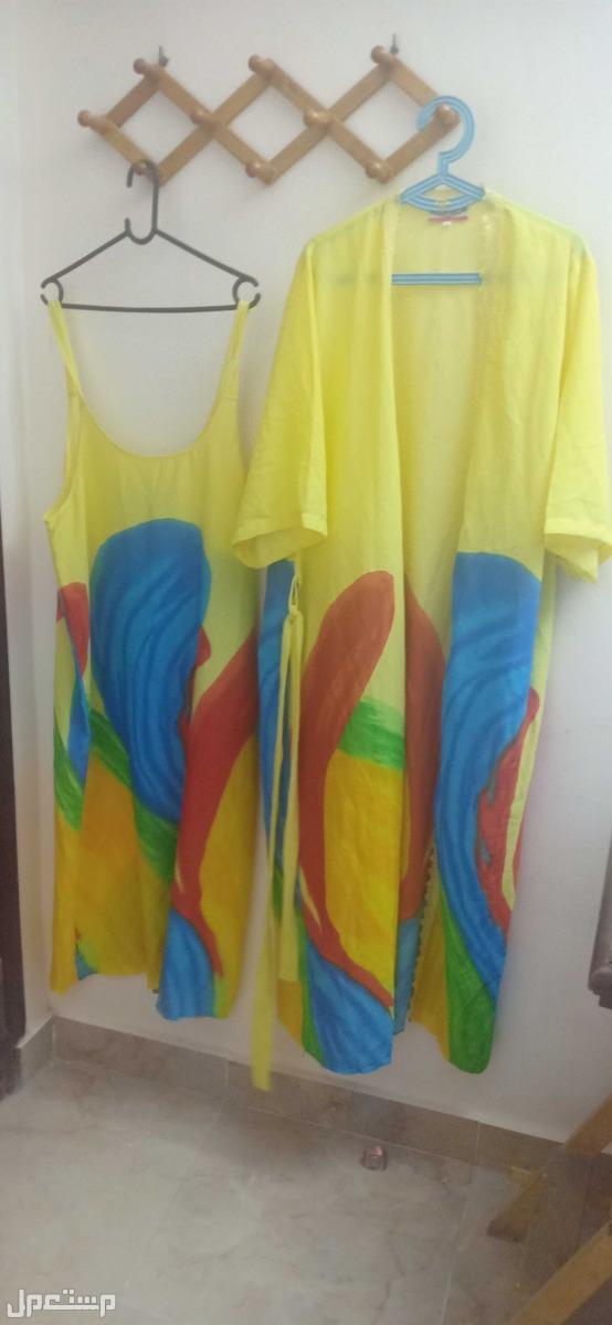 الفيوم ميدان المسله قميص والروب الخاص به مقاس2xl  لم يلبس نهائيا الوان صيفيه مبهجه فخم جدا