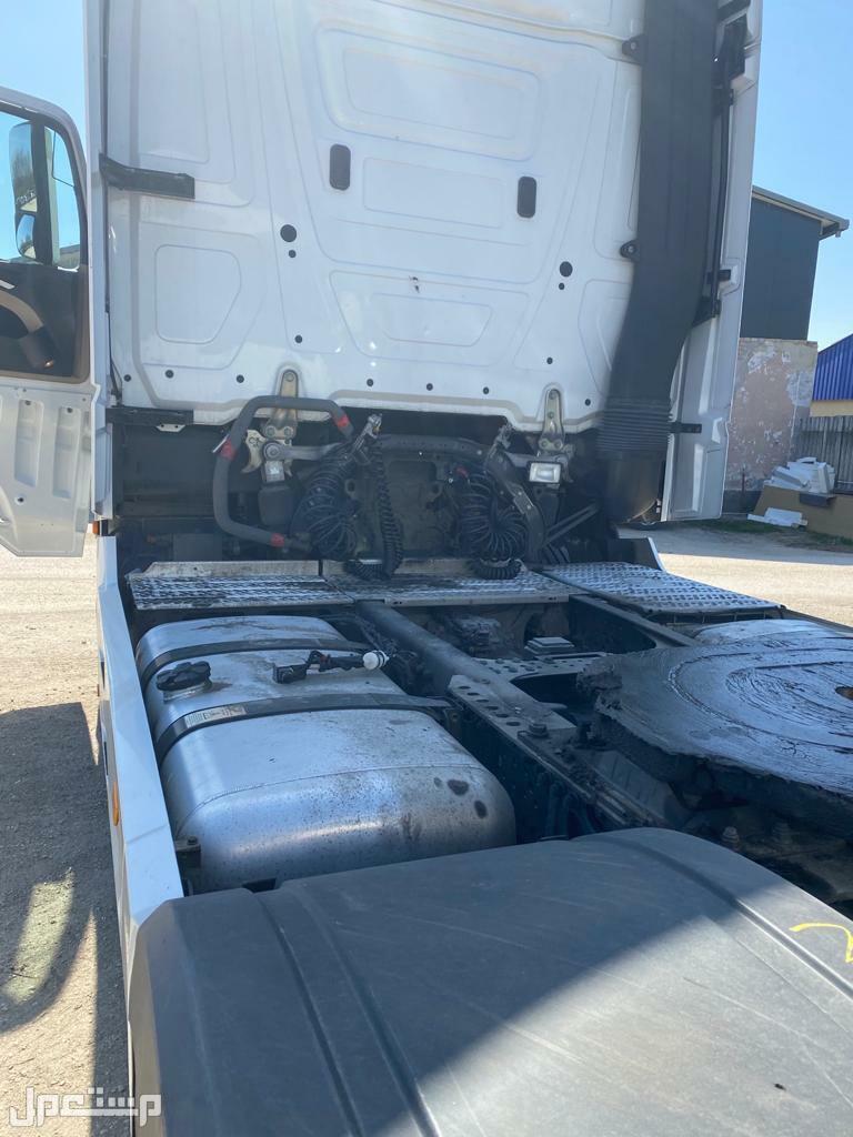 شاحنة مرسيدس اكتروس موديل 2016 نظيفة ومظمونة استيراد حسب الطلب