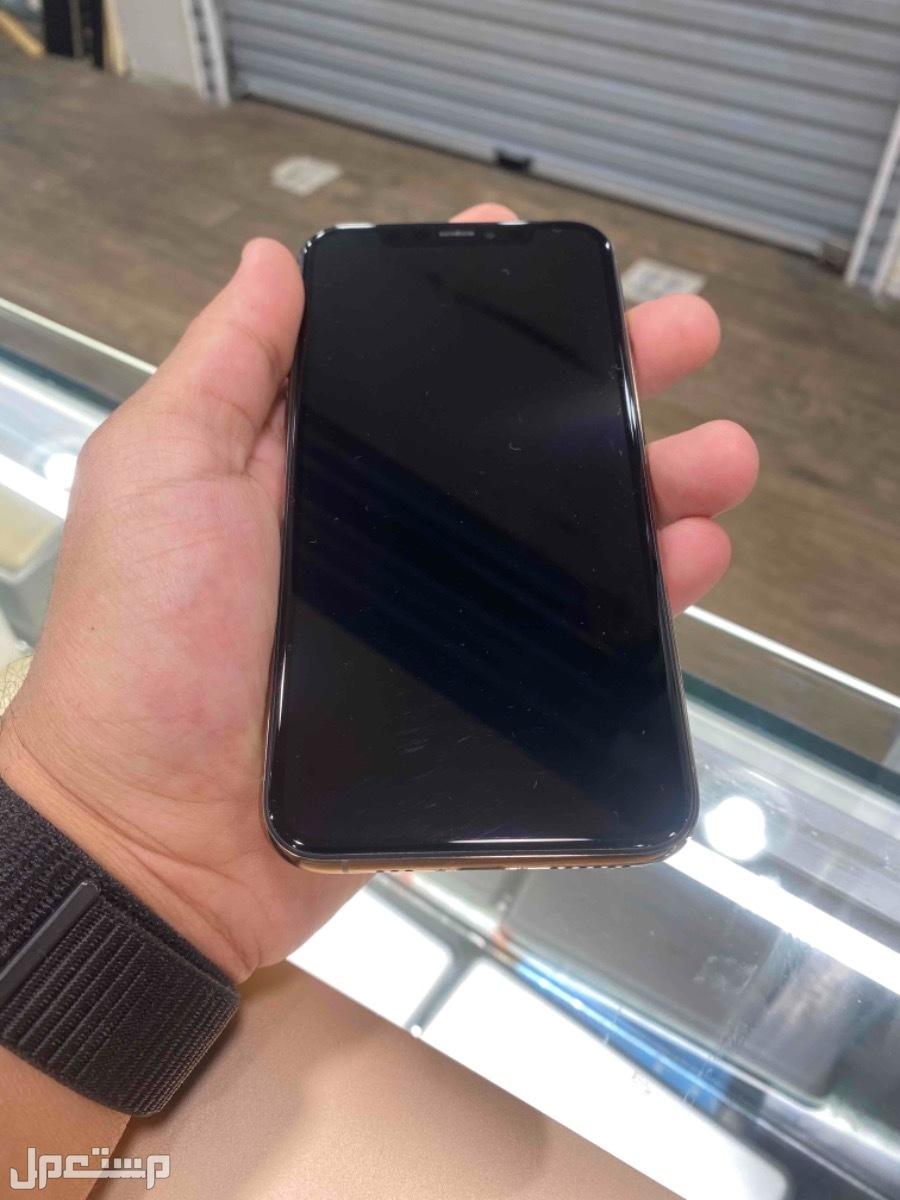 للبيع ايفون 11 برو 64 ذهبي مستخدم