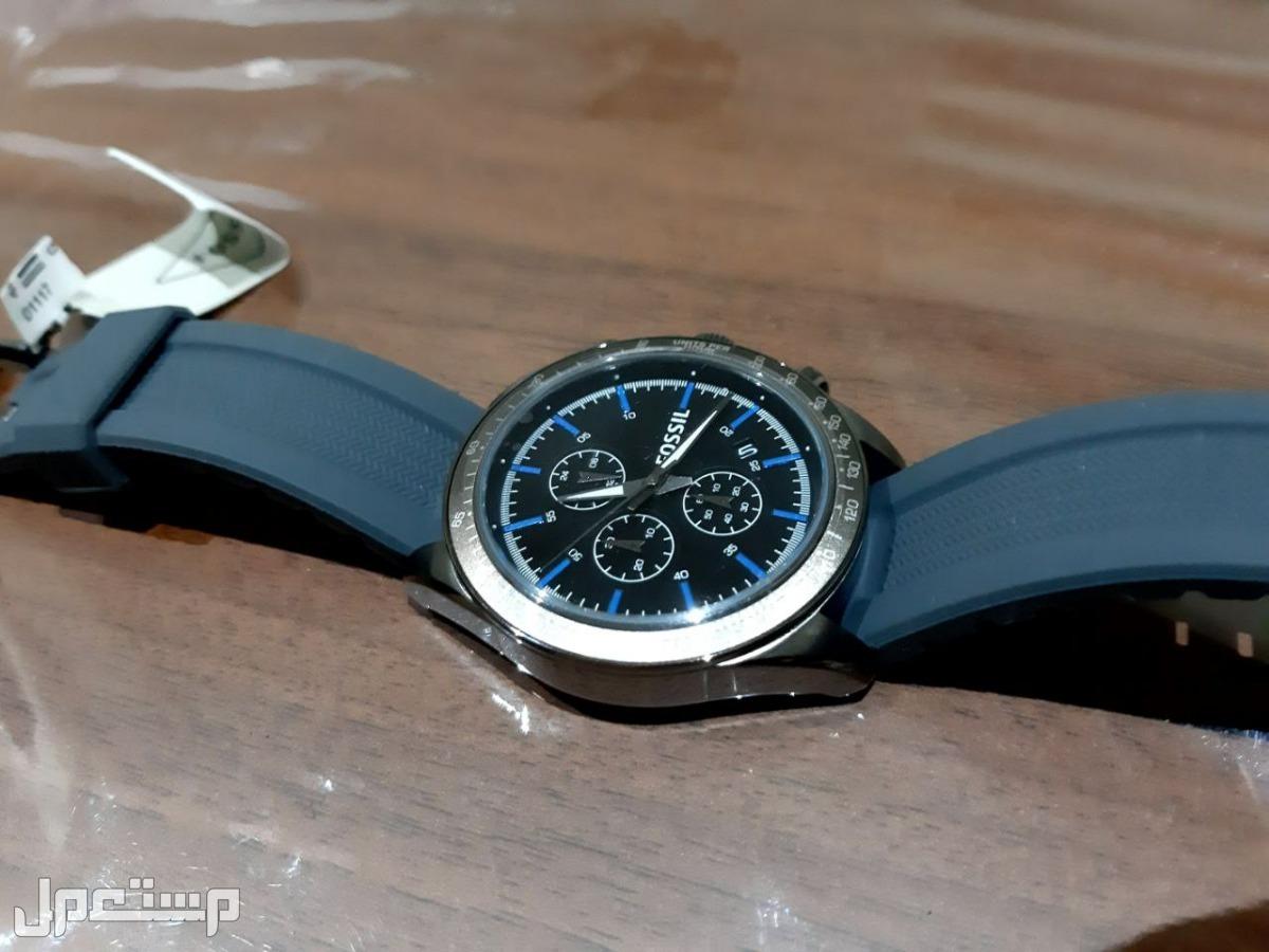 ساعة يد ماركة Fossil جديدة
