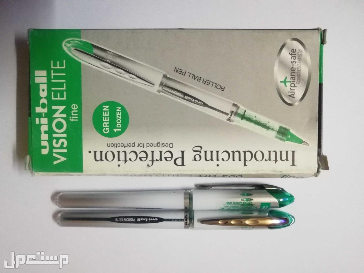 قلم سائل يوني بول UB-200 UB-200 - لون اخضر