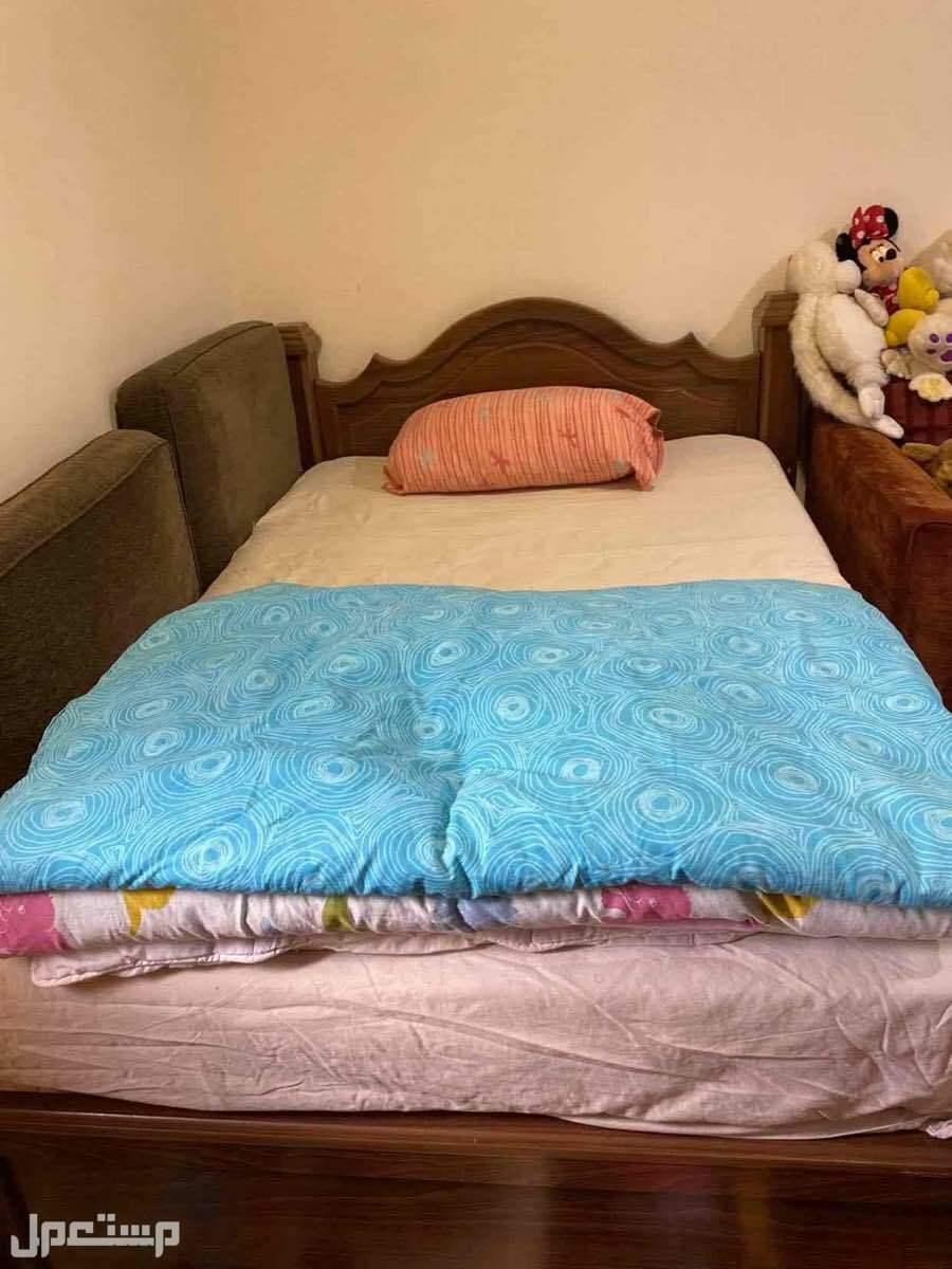 سرير نفر بالمرتبه والتسريحه