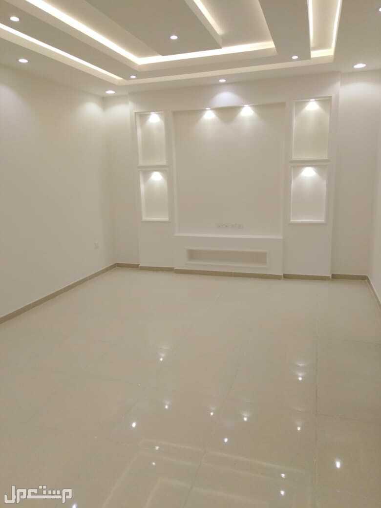 » شقه5غرف جديده للبيع اماميه مدخلين بجده
