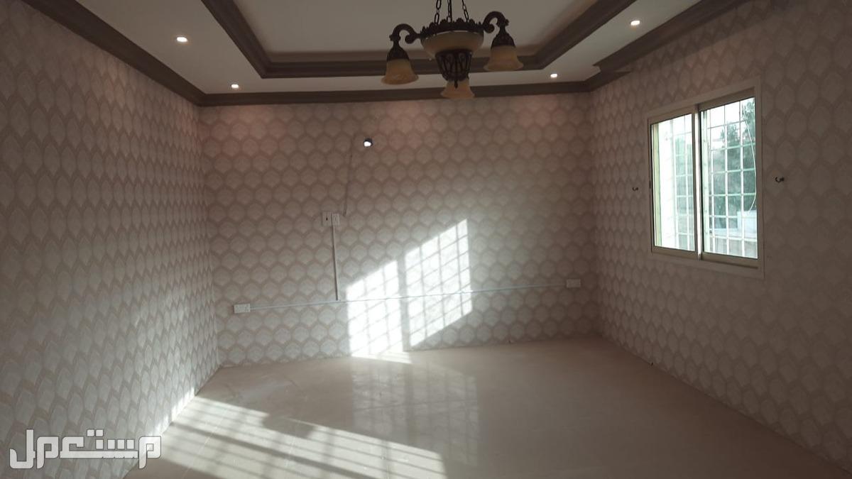 شقه خمس غرف حى النور للبيع كاش او على البنك