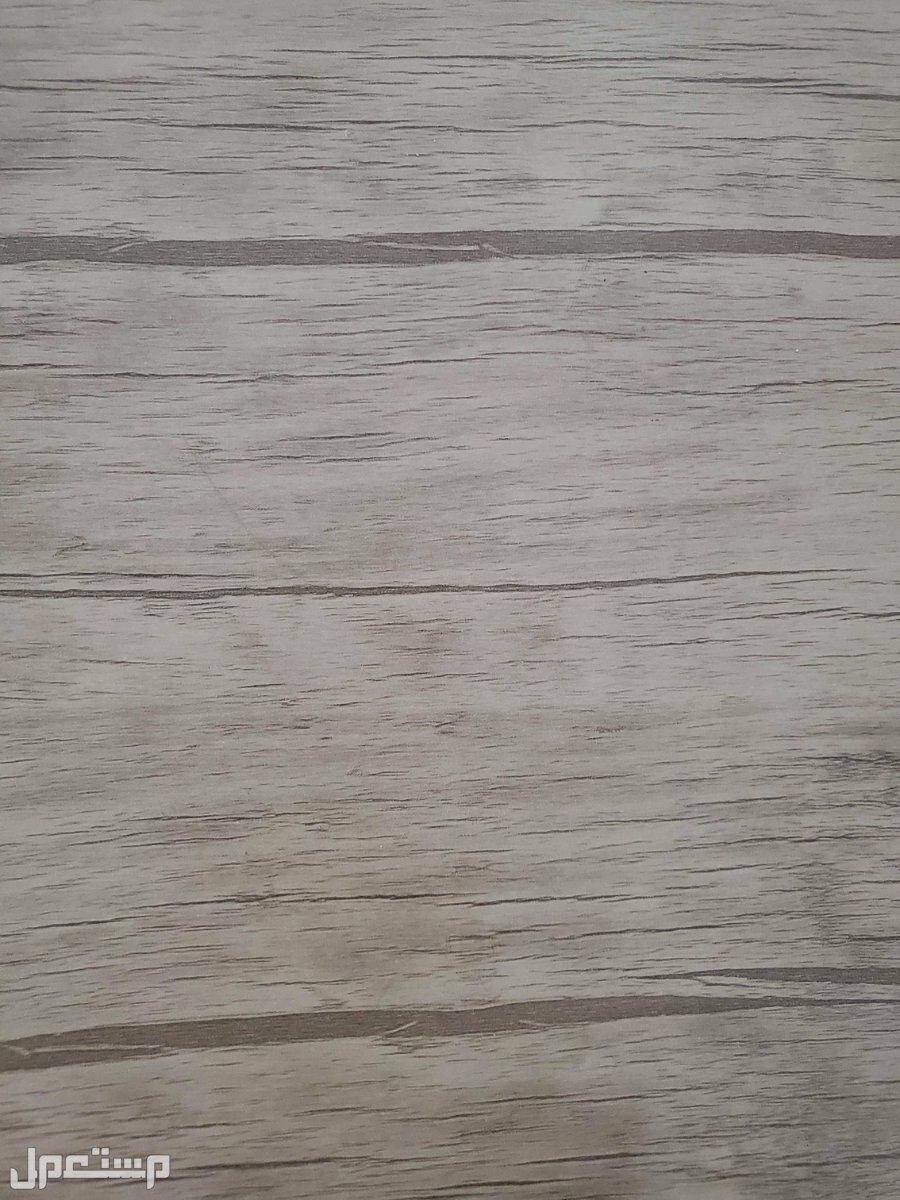 مكتب  خشب ب 3ادراج لون خشبي كريمي لون المكتب