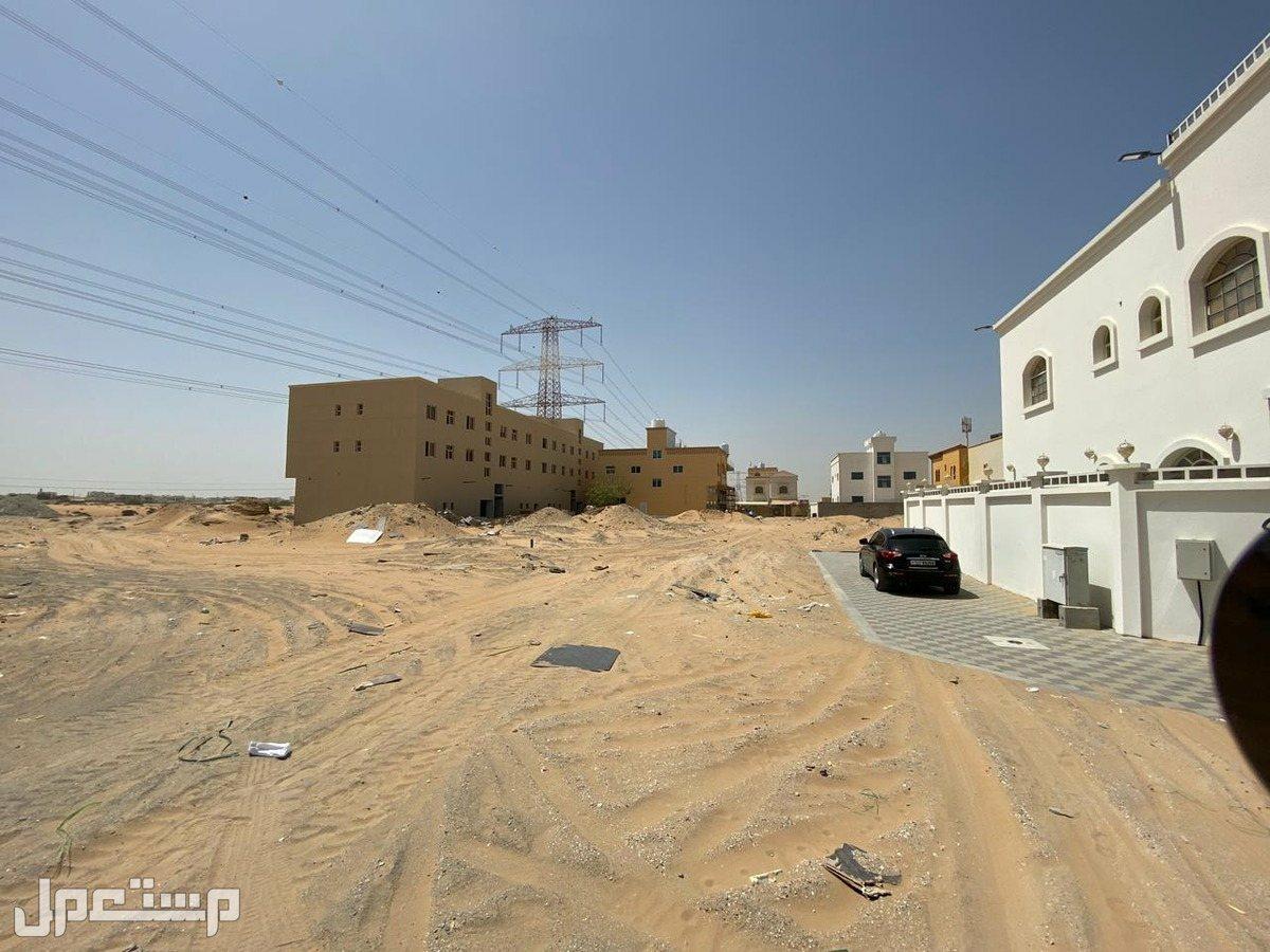 أراضي تجارية ثاني نمرة من شارع الزبير بحي الياسمين بعجمان