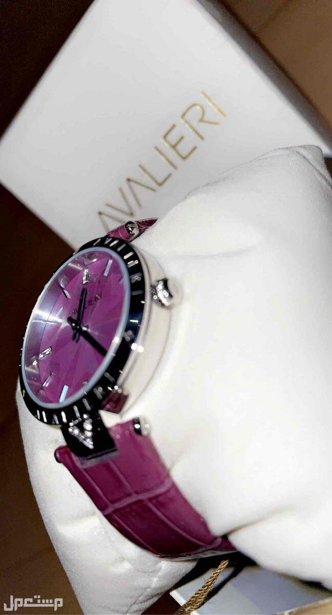 ساعة يد ماركة افاليري للبيع