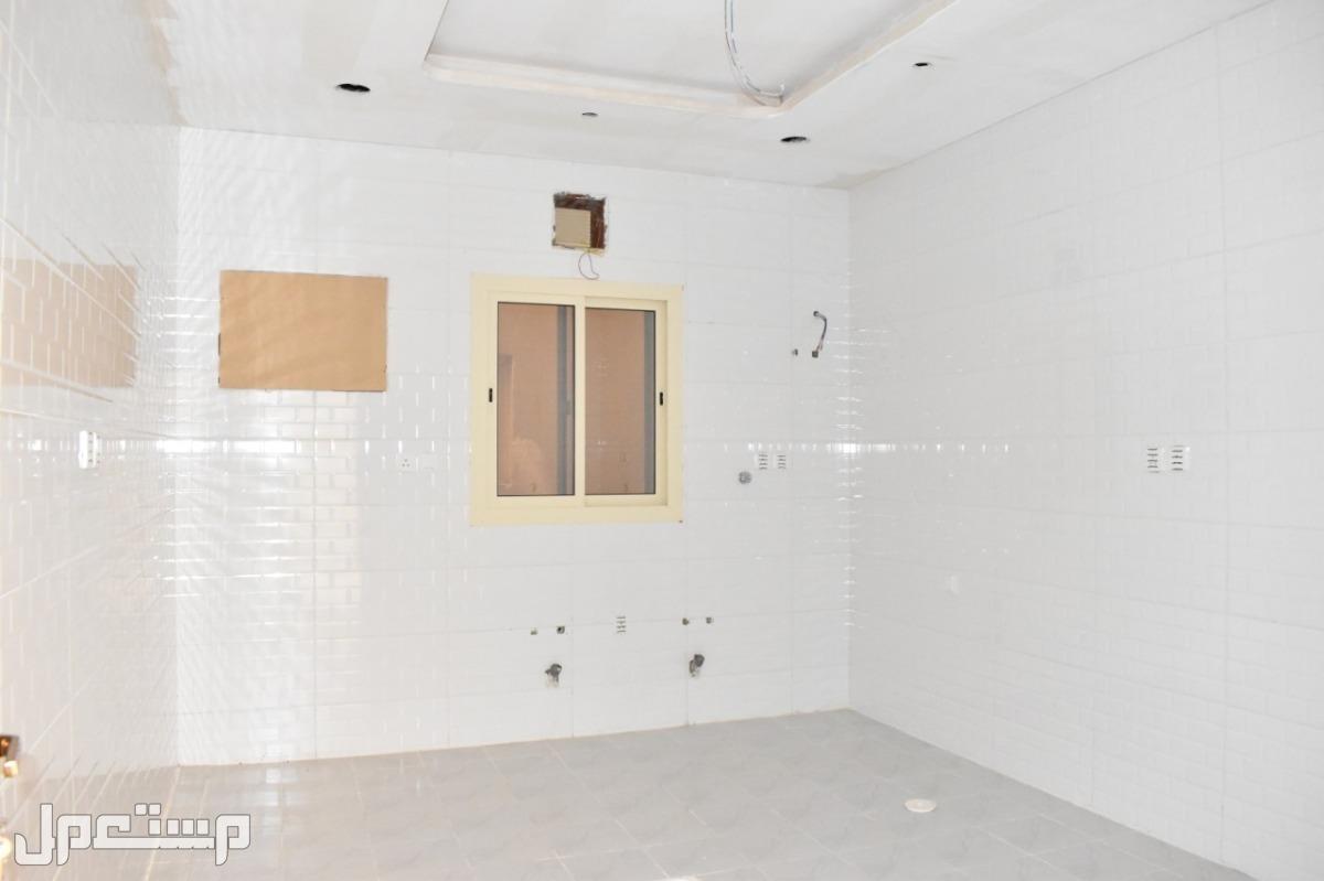 5 غرف جديدة فاخرة للبيع بمدخلين