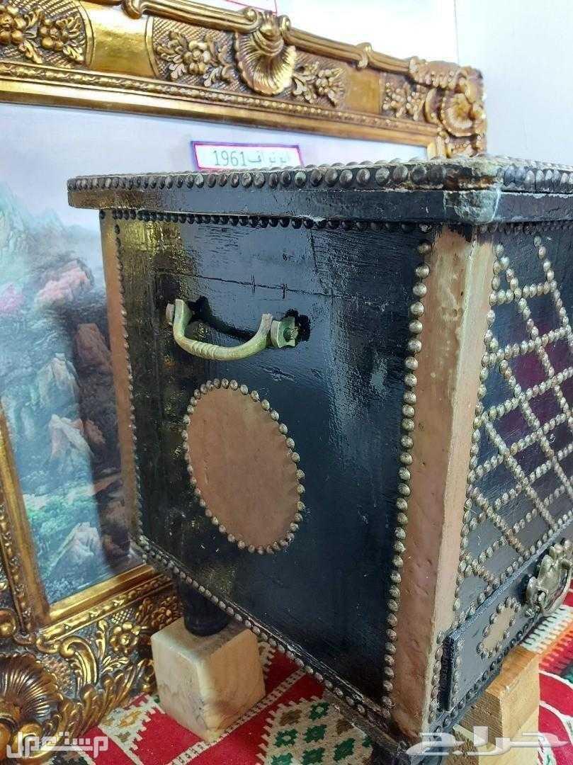 تحفة انتيك صندوق تراثي كبير لها ذكريات الجدات رحمهم الله
