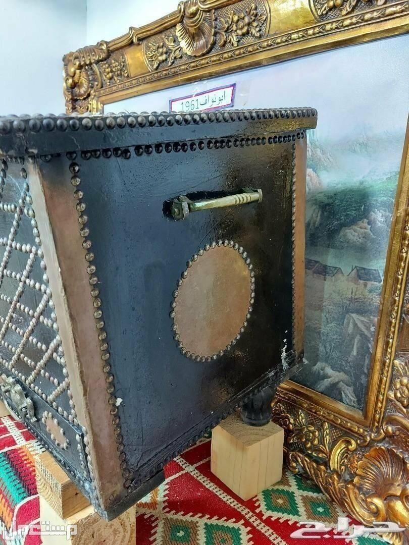 تحفة انتيك صندوق تراثي كبير