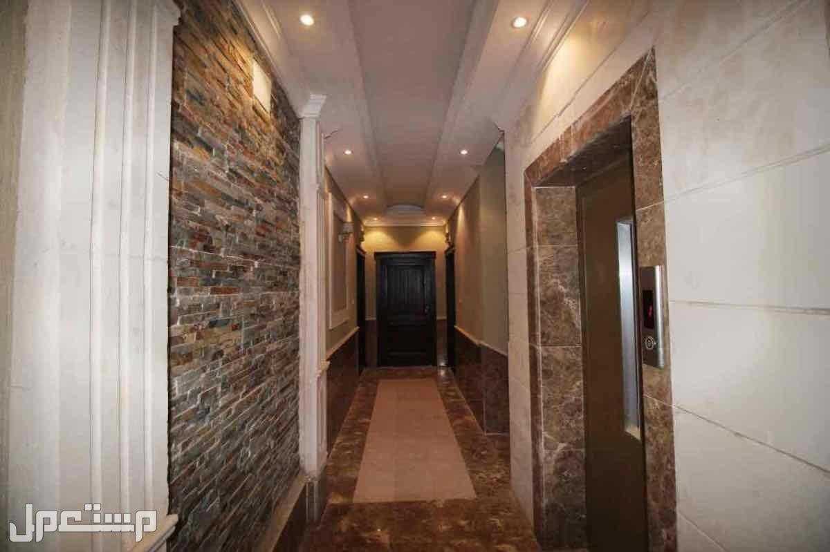ملحق روف خمس غرف مع سطح مستقل للبيع