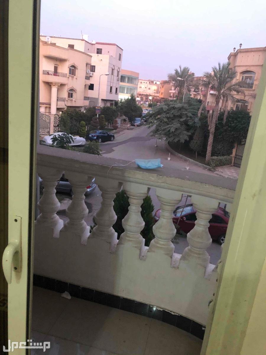 شقه للبيع في التجمع الخامس الحي التالت