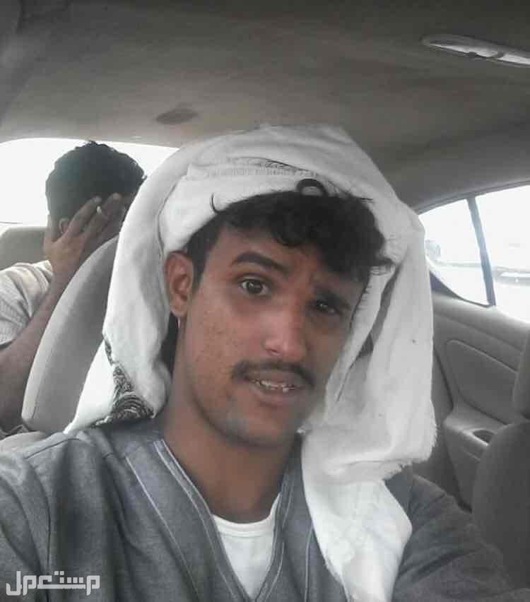 يمني عمري27ابحث عن عمل لدي خبره في الحياه