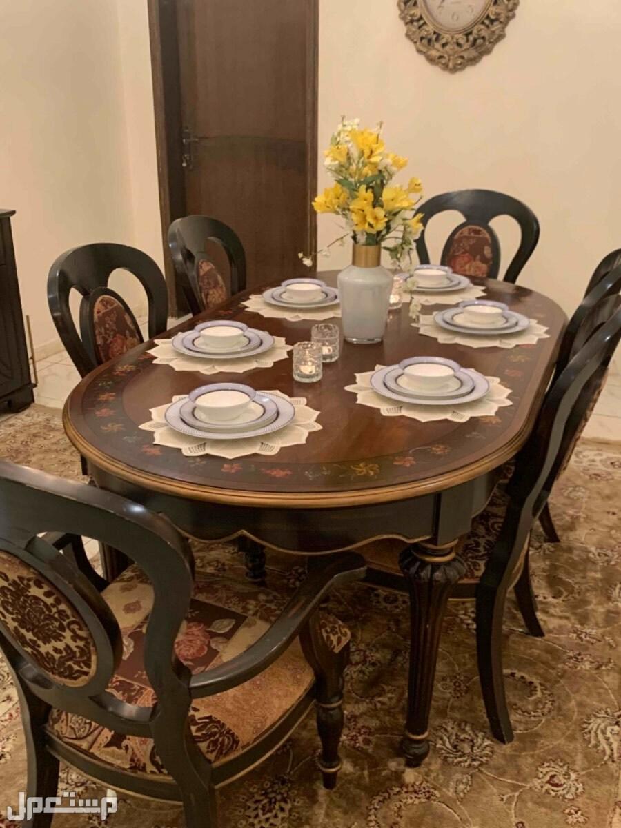 طاولة طعام