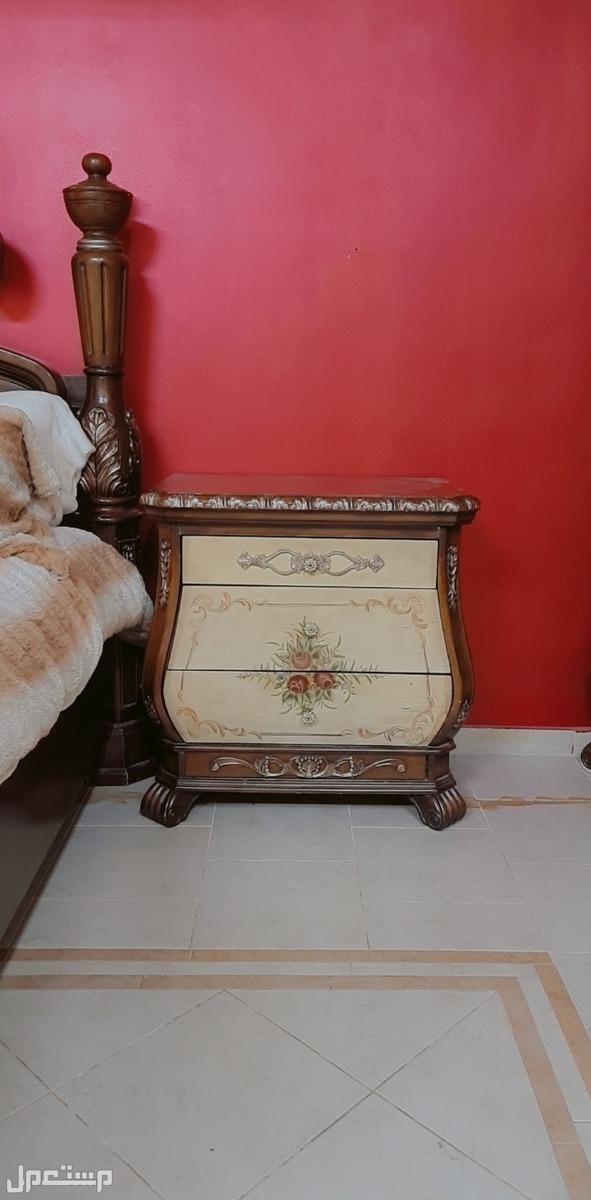 غرفة نوم كلاسيكية للبيع