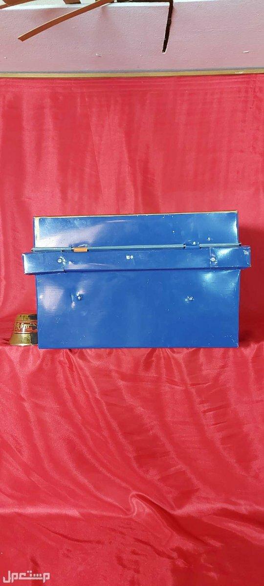 صندوق تنك شغل تراثي جميل من معدن التنك الخفيف والمتين