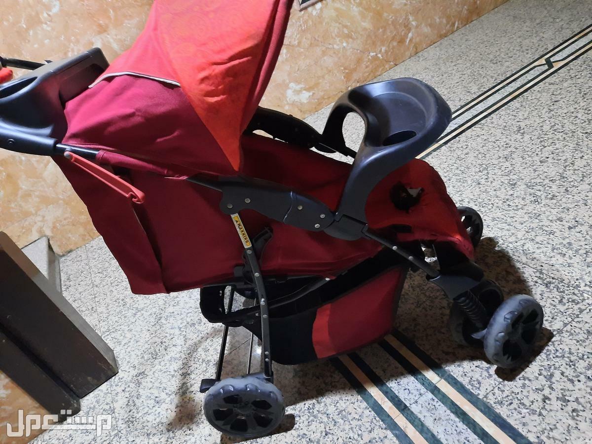 سرير اطفال و مشاية و عربة اطفال و مرجيحة 700 ريال للكل