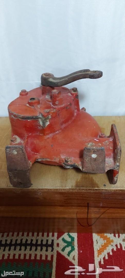 تراث منفاخ يدوي حديد قديم وثقيل مع قاعدته لمحبي اقتناء النوادر