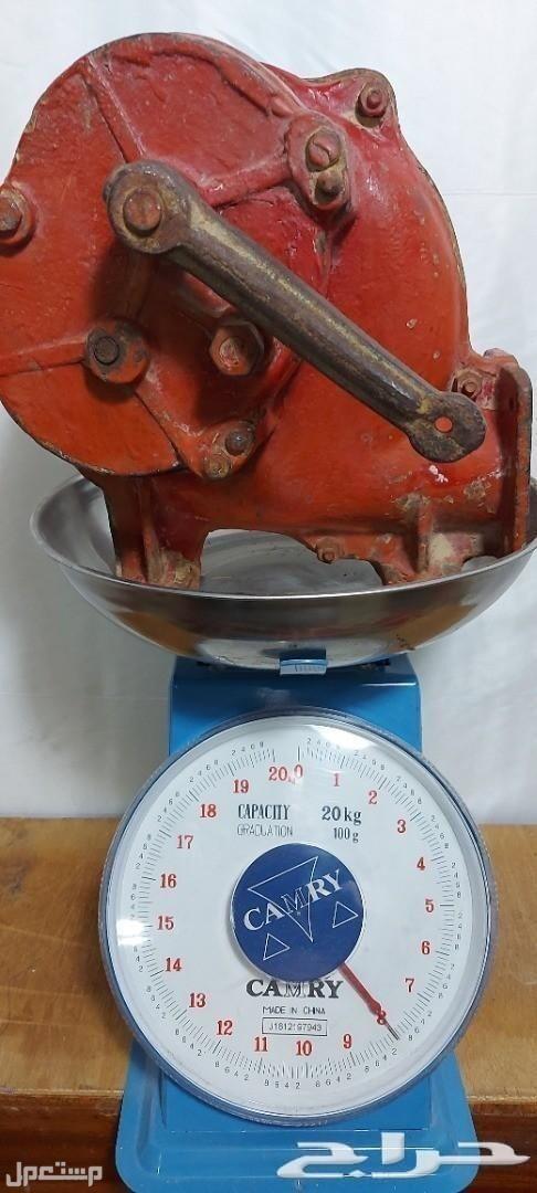 تراث منفاخ يدوي حديد قديم وثقيل مع قاعدته وزن ثقيل 8 كيلو